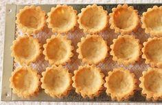 Mini Tartlet Shells, Food Art & an Optical Illusion Mini Tartlets, Mini Pies, Lemon Tartlets, Mini Fruit Tarts, Strawberry Kiwi, Sweet Pie, Sweet Tarts, Tart Recipes, Crack Crackers