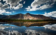 The blue lake view 1440x900 wallpaper