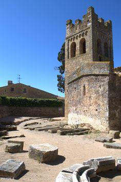 Necrópolis medieval, Ábside prerrománico siglos IX-X y Torre campanario románica del siglo XII. Sant Esteve de Canapost. Girona