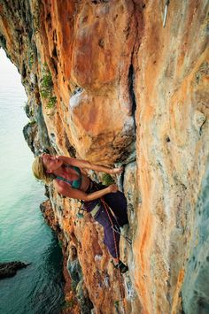 Scout the rout - Grateful Wall in Koh Yao Noi Ice Climbing, Mountain Climbing, Photo Vintage, Rappelling, Mountaineering, Climbers, Girls Be Like, Outdoor Fun, Bouldering