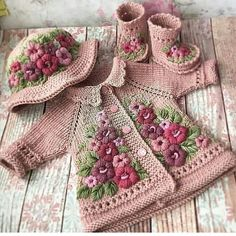 Stricken sie Baby Kleidung 5 Ideas for Knitting With Lace Weight Yarns The maximum sensitive threads Baby Knitting Patterns, Baby Patterns, Embroidery Patterns, Crochet Patterns, Hand Embroidery, Crochet Jacket Pattern, Knitted Baby Clothes, Crochet Clothes, Crochet Stitches