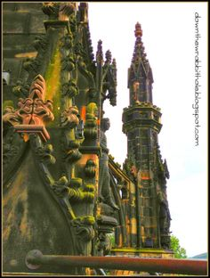 """See the detailed carvings of the Scott Monument up close (Edinburgh, Scotland). Find out more at """"Down the Wrabbit Hole - The Travel Bucket List"""". Click the image for the blog post."""