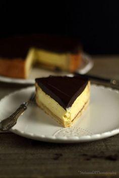 La torta Susanna è un dolce molto nota nella provincia di Parma, fatto di un guscio di pasta frolla con un ripieno di crema di ricotta e ...