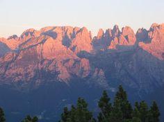 L'alba dal Rifugio La Roda Cima Paganella