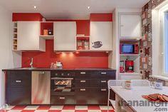 Ihanainen.com sisustussuunnittelu. Namupala-kodin #värikäs #punainen #keittiö #red  #kitchen #sisustus #retro #sisustussuunnittelu #rohkea #ihanainensisustus #ihanainencom #sisustusidea #keittiösuunnittelu
