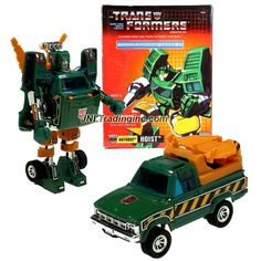 Hasbro Year 2003 Transformers Commemorative Series V Generation One Re-Issue 5 Inch Tall Robot Action Figure - Autobot HOIST with 2 Missiles. Sensors, 2 Fists and Other Accessories (Vehicle Mode: Tow Truck)