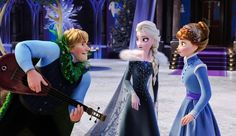 Elsa(Thinking): What's He Trying To Do???