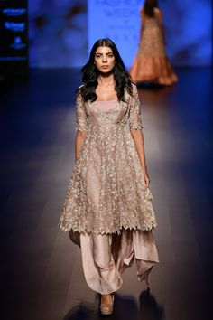 Anushree Reddy Lakme Fashion Week 2018 is here and I have all of the bridal lehenga prices for you. Bonus, check out groomswear sherwani prices too. Fashion Week 2018, Lakme Fashion Week, Indian Wedding Outfits, Indian Outfits, Bridal Outfits, Wedding Dresses, Dress Indian Style, Indian Dresses, Wedding Guest Outfit Inspiration