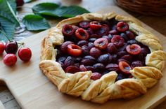 Tarta cu cirese - Mihaela Toader Waffles, Pie, Breakfast, Desserts, Food, Design, Torte, Morning Coffee, Tailgate Desserts
