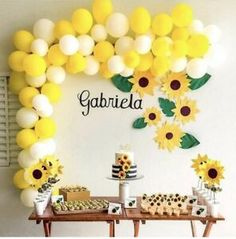 DIY gelbe u. Weiße Ballon-Girlande Installationssatz, Partei-Dekorations-Bab… DIY yellow and White Balloon Garland Kit, Party Decoration Baby Showers … Sunflower Birthday Parties, Sunflower Party, Sunflower Baby Showers, Yellow Birthday, Happy Birthday, Deco Baby Shower, Baby Shower Parties, Baby Shower Themes, Balloon Garland
