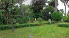 Vendita Villa con giardino a Marina di Pisa. Per info e appuntamenti Diego 050/771080 - 348/3259137