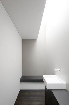 Minimalist bathroom interior by B. Hodel   © Johannes Marburg