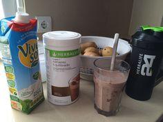 Mi desayuno equilibrado favorito:  Batido herbalife F-1 de chocolate, más leche de soja...  A los tres días de desayunar de esta manera, ya noté más vitalidad.  Más informacion sobre el producto:  herbalife@bikeandbreakfast.es