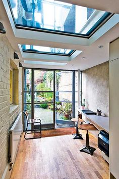 two floor glass box with floorlights Side Extension, Glass Extension, Extension Ideas, Bungalow Extensions, House Extensions, House Extension Design, House Design, Victorian Terrace, Victorian London
