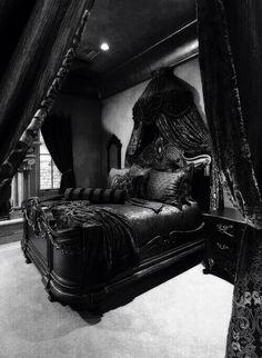 Gothik, Viktorianisch, Schwarze Schlafzimmer, Gotisches Schlafzimmer  Dekoration, Gotisches Schlafzimmer, Gotisches Zimmer, Traum Schlafzimmer,  Gotisches ...