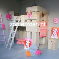 #prinsessenkasteel #kasteelbed #stapelbed #steigerhout model Fiene http://www.zomerzoen.nl/stapelbed-steigerhout-fiene.html