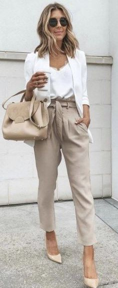 15 Amazing Work Outfits For Spring work outfits women office Source by casual Stylish Winter Outfits, Business Casual Outfits For Women, Office Outfits Women, Stylish Work Outfits, Professional Outfits, Curvy Outfits, Young Professional, Business Attire, Business Professional