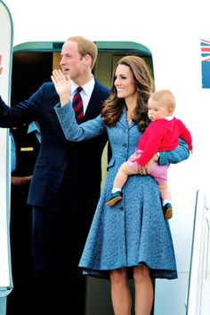 The Duke, Duchess, and Prince of Cambridge wave goodbye and say farewell to Australia as they depart for London, having just ended their Royal Tour of Australia and New Zealand. #katemiddleton #princegeorge