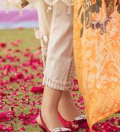 Best 12 Beautiful pleats bell sleeves – Page 622411610981900938 – SkillOfKing. Kurti Sleeves Design, Kurta Neck Design, Sleeves Designs For Dresses, Dress Neck Designs, Stylish Dress Designs, Neck Designs For Suits, Salwar Designs, Kurta Designs Women, Kurti Designs Party Wear