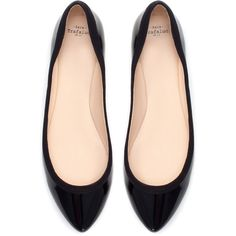 Zara Patent Ballerina ($30) ❤ liked on Polyvore featuring shoes, flats, black, patent leather flats, black shoes, ballet shoes, black flat shoes and ballet flats