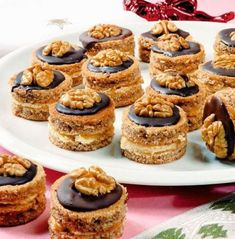Christmas Desserts, Christmas Cookies, Poppy Cake, Cake Bars, I Want To Eat, Food To Make, Cheesecake, Good Food, Food And Drink