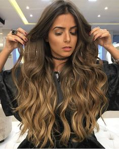Balayage for brunettes Cabelo Ombre Hair, Balayage Hair, Pretty Hairstyles, Wig Hairstyles, Dyed Hair, Wavy Hair, Long Ombre Hair, Hair Color And Cut, Pinterest Hair