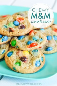 Need a cookie recipe that results in sugary perfection? These Chewy M&M Cookies taste SO GOOD and freeze well too! They're an easy-to-tote addition to parties, movie nights, bake sales, etc, and almos (Bake Goods Sale) Bake Sale Treats, Bake Sale Recipes, Easy Cookie Recipes, Cookie Desserts, Baking Recipes, Dessert Recipes, Best M&m Cookie Recipe, Cookie Bars, M M Cookies