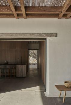 Villa Mandra by K-Studio — MODEDAMOUR Greece Architecture, Architecture Design, Sala Grande, 6 Bedroom House, Luxury Accommodation, Outdoor Living, Outdoor Decor, House Built, Home Interior