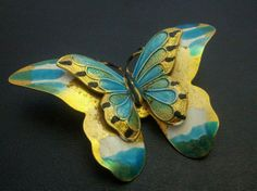 Vintage Brooch Pin Butterfly Layered Wings Ocean Blue Enamel Gold Tone NICE H26