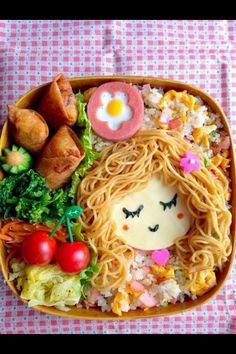 kawaii: Spaghetti hair girl bento by masamiho! Check out her other lovely bento photos on Snapdish. Bento Box Lunch For Kids, Bento Kids, Lunch Box, Cute Bento Boxes, Cute Food, Good Food, Yummy Food, Bento Recipes, Baby Food Recipes