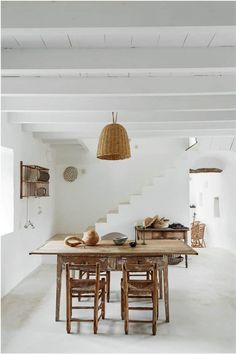 Ibiza, Space Place, Shabby Chic Homes, House Rooms, Living Rooms, Decoration, Art Deco, Dining Table, Flooring