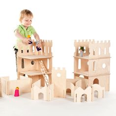 This set, the Modular Castle Towers and Classic Modular Building Walls, is a magic combination! Your child can build entire fantasy worlds with