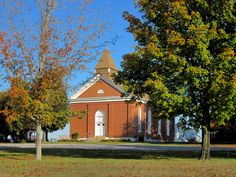 Autumn at the Methodist Church in New Palestine. Photo courtesy of Christopher Martin. New Palestine, Randolph County, Illinois, Autumn, Mansions, House Styles, Places, Mansion Houses, Lugares