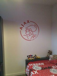 Muurschildering Ajax logo op een jongenskamer door StijlvolleMuur.nl ...