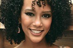 Confira o passo a passo da maquiagem sexy usada pela atriz Taís Araújo. A produção é ideal para mulheres de pele negra e vai te garantir muitos elogios