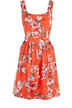 THESE are my FAVORITE kind of dresses. if i could find them in every color/pattern i would love a whole closet of them. <3