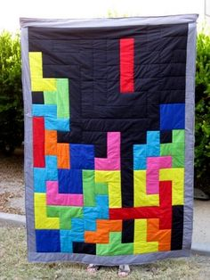 Homemade Tetris Quilt - from project nerd. Sewing Crafts, Sewing Projects, Craft Projects, Diy Crafts, Do It Yourself Baby, 8bit Art, Quilting, Learn To Sew, Quilt Patterns