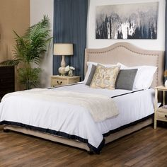 Available in select colors, this set will give your room a complete and finished look that you have been searching for, letting you wake up in the lap of luxury each morning.