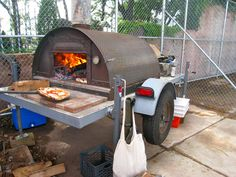 Pizza Moto: a mobile pizzeria in Brooklyn with Wood-fired oven. Portable Pizza Oven, Diy Pizza Oven, Brick Oven Pizza, Pizza Oven Outdoor, Outdoor Cooking, Wood Oven, Wood Fired Oven, Wood Fired Pizza, Pizza Vans