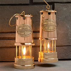 Brass & Copper Table-Top Oil Lamp Classic Style Made All Its Own Beautiful Even Unlit