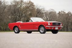 1965 Ford Mustang Convertible - gorgeous in red! Ford Mustang Car, Ford Mustang Convertible, Ford Mustangs, Retro Cars, Vintage Cars, My Dream Car, Dream Cars, Vintage Mustang, Sweet Cars