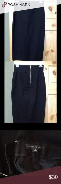 EUC Banana Republic Pencil Skirt Banana Republic bi-stretch pencil skirt, size 0, black in excellent used condition. All items come from a clean, smoke free home. Banana Republic Skirts Pencil