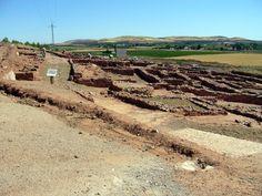CERRO DE LAS CABEZAS (Valdepeñas, Ciudad Real) - Un gran oppida de origen íbero-oretano en el que destacan su entramado urbano, su sistema defensivo y su material arqueológico