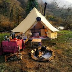 Bushcraft Camping, Camping Survival, Outdoor Survival, Camping Meals, Camping Hacks, Survival Tools, Camping Essentials, Glamping, Tent Camping