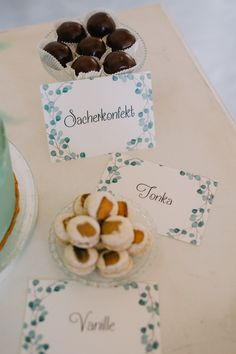 Greenery, Aiola Weddings im Schloss St. Veit Graz, Austria, (Styled Wedding Shooting 2017 Fotos: Blumen: Torte: Schmuck: Papeterie: Make-Up: Hairstyling: Graz Austria, With Love, Wedding 2017, Aioli, Greenery, Place Cards, Place Card Holders, Weddings, Unique