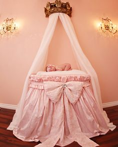 Custom Lace and Silk Baby Bassinet via Etsy $600