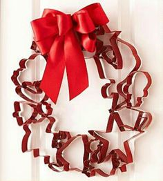 Red Cookie Cutters Wreath!