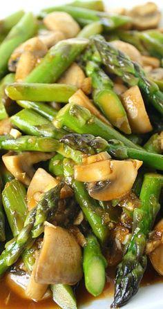 Asparagus and Mushroom Stir-Fry. Easy asparagus and mushroom stir-fry with a tasty, simple garlic sauce! Beautiful side dish for Asian-inspired meals. Stir Fry Recipes, Side Dish Recipes, Vegetable Recipes, Vegetarian Recipes, Cooking Recipes, Healthy Recipes, Vegetarian Stir Fry, Vegetable Stir Fry, Asparagus And Mushrooms