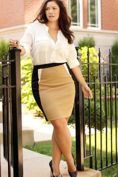 Big curvy plus size women are beautiful! fashion curves real women accept your body body consciousness Curvy Women Fashion, Womens Fashion For Work, Plus Size Fashion, Work Fashion, Ladies Fashion, Xl Mode, Plus Zise, Look Plus Size, Modelos Plus Size
