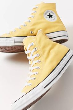 Dr Shoes, Swag Shoes, Hype Shoes, Me Too Shoes, Shoes Sandals, Mode Converse, Yellow Converse, Converse Sneakers, Pastel Converse